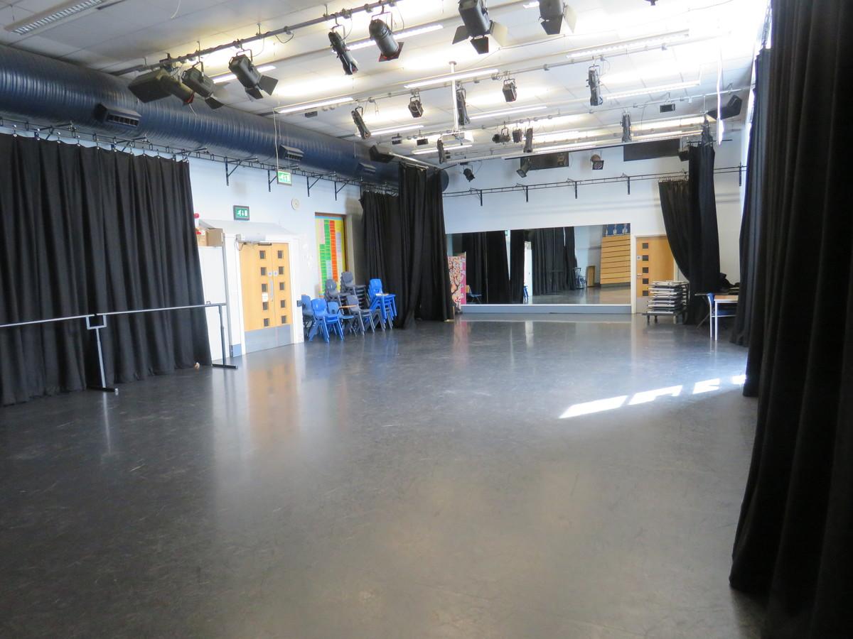 Dance Studio - Portchester Community School - Hampshire - 3 - SchoolHire