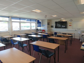 Classrooms - Standard - Rodborough School - Surrey - 1 - SchoolHire