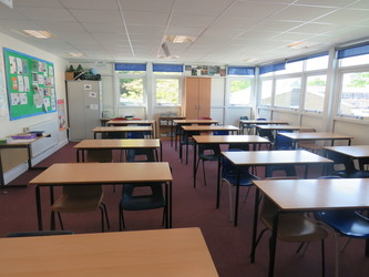 Classrooms - Standard - Rodborough School - Surrey - 2 - SchoolHire