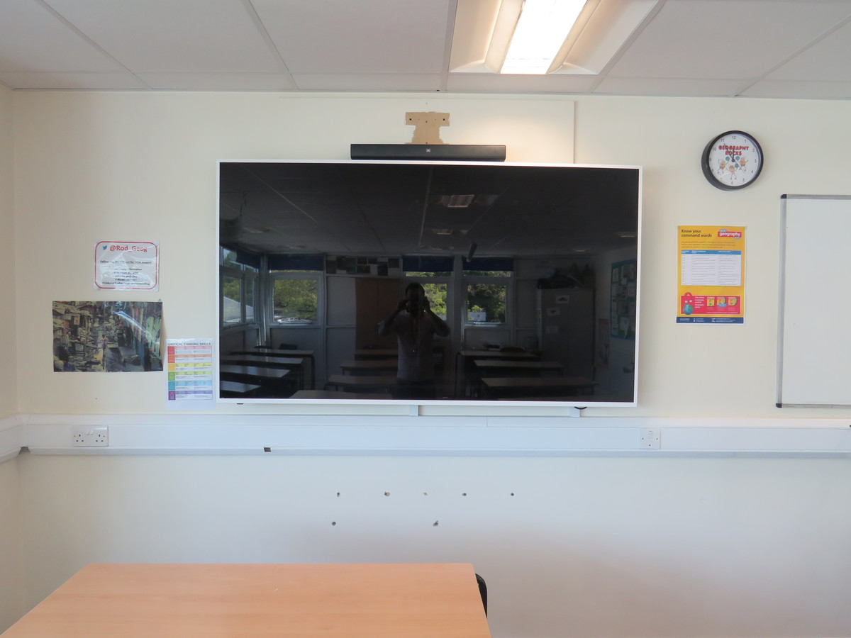Classrooms - Standard - Rodborough School - Surrey - 3 - SchoolHire