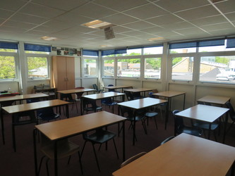 Classrooms - Standard - Rodborough School - Surrey - 4 - SchoolHire