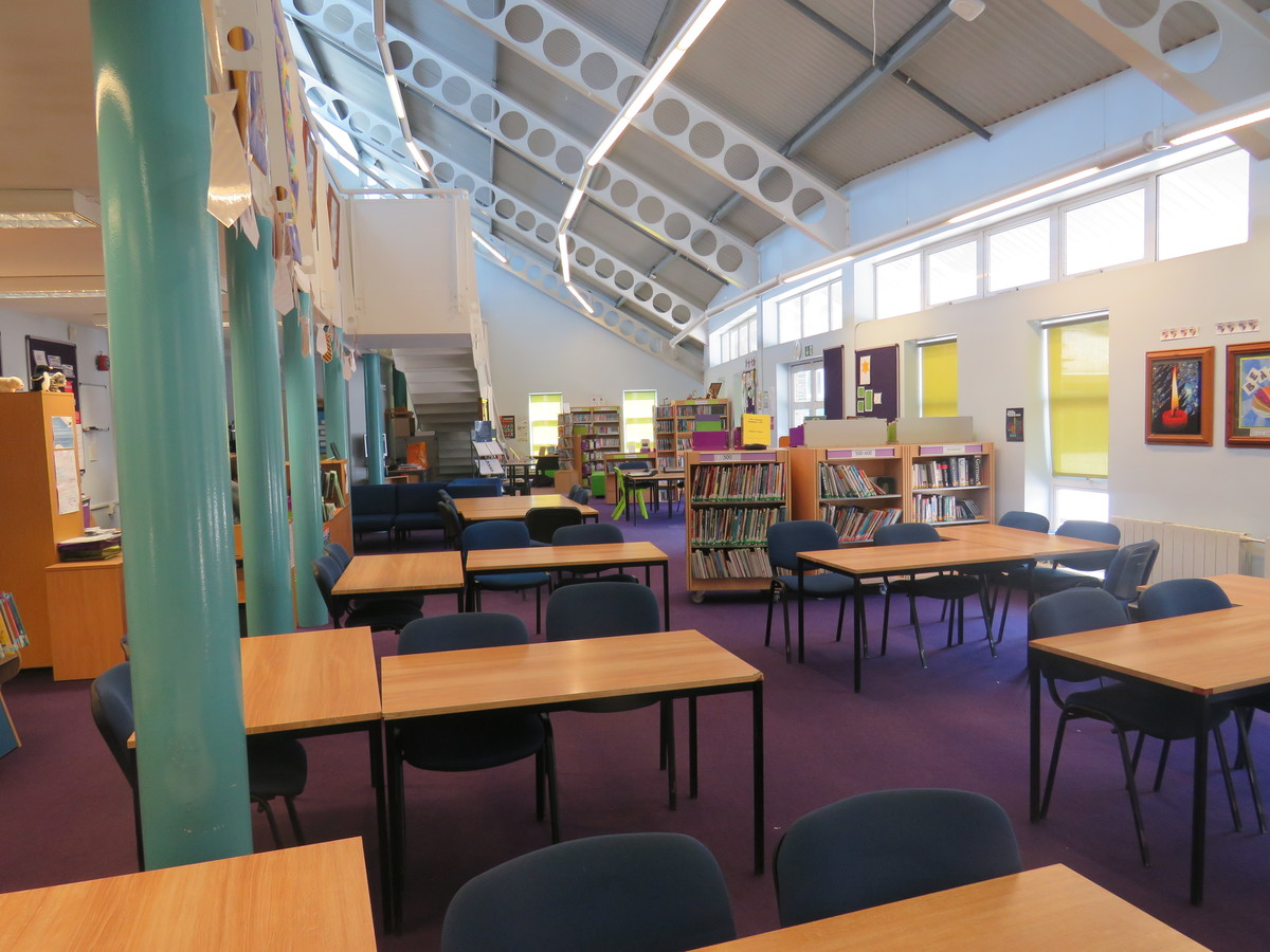 Learning Resources Centre - Rodborough School - Surrey - 1 - SchoolHire