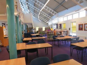 Learning Resources Centre - Rodborough School - Surrey - 1 - SchoolHire