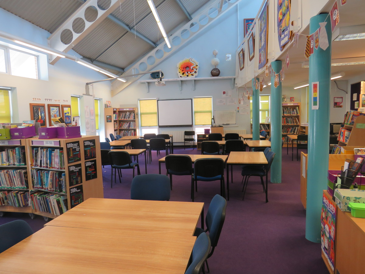 Learning Resources Centre - Rodborough School - Surrey - 2 - SchoolHire