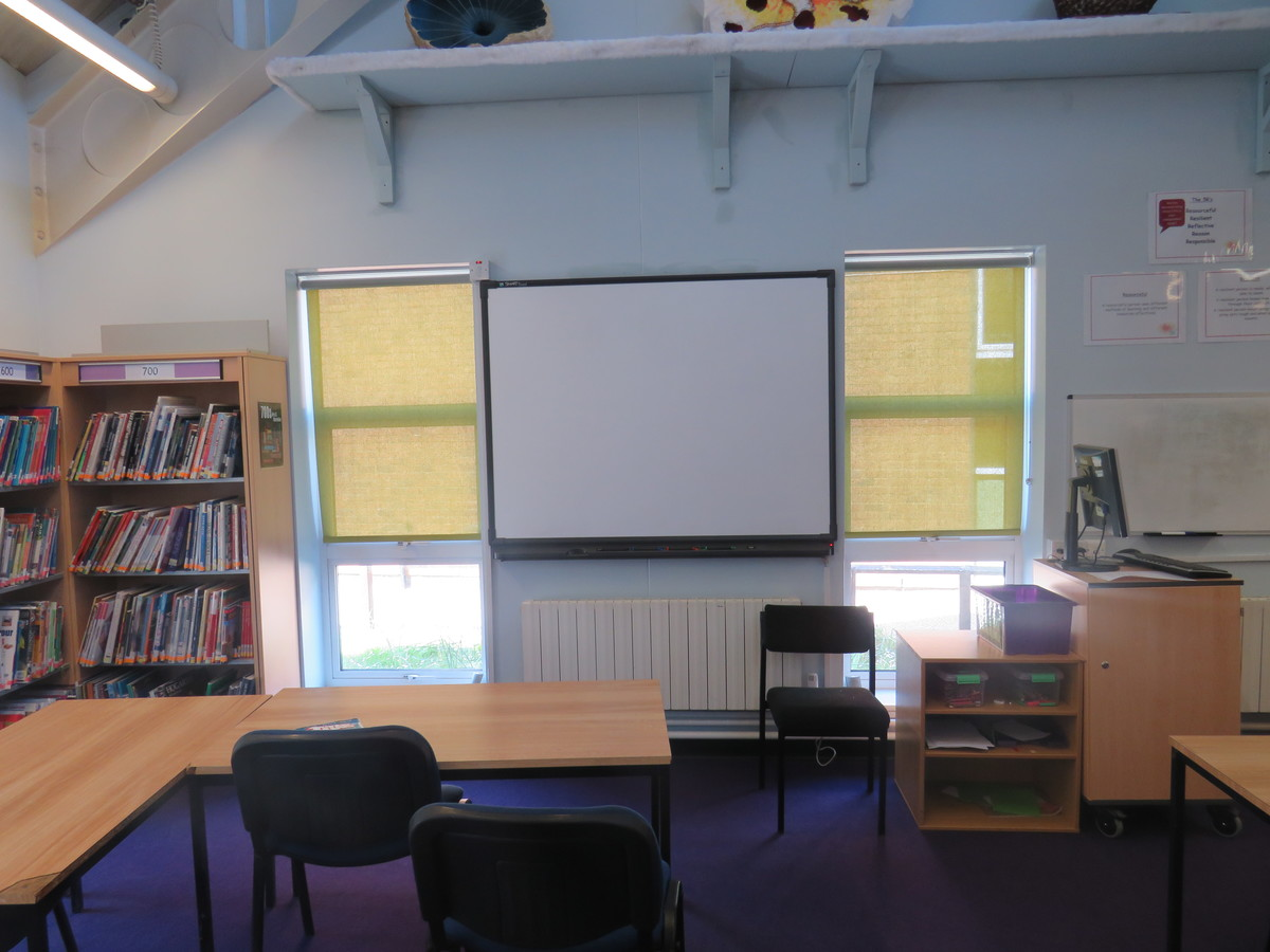 Learning Resources Centre - Rodborough School - Surrey - 3 - SchoolHire