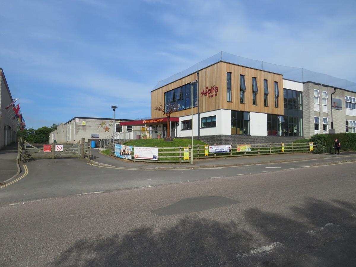 Braunton Academy - Devon - 1 - SchoolHire