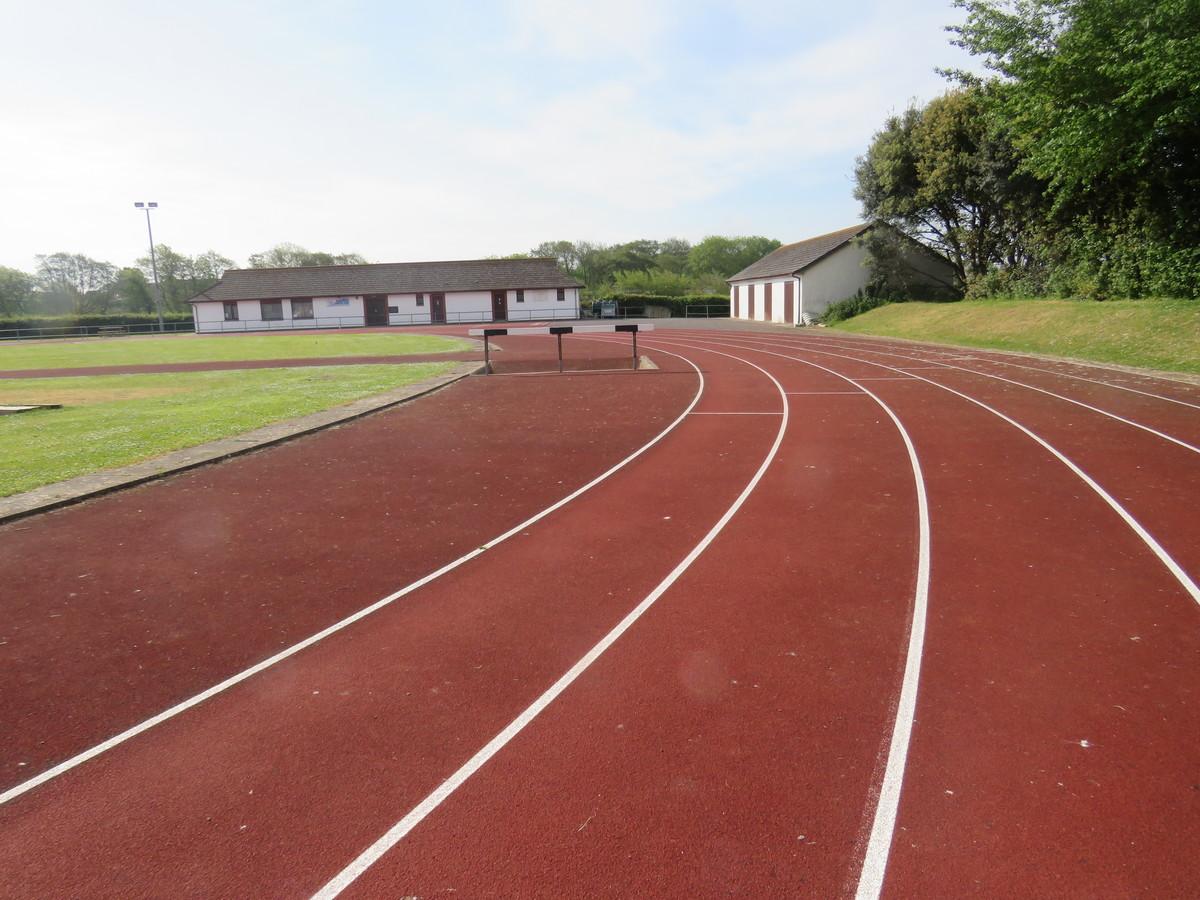 Athletic Track - Braunton Academy - Devon - 1 - SchoolHire