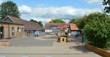 Roydon Primary Academy - Essex - 3 - SchoolHire
