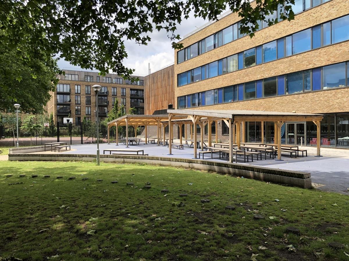 Outdoor Garden - St John Bosco College - Wandsworth - 3 - SchoolHire