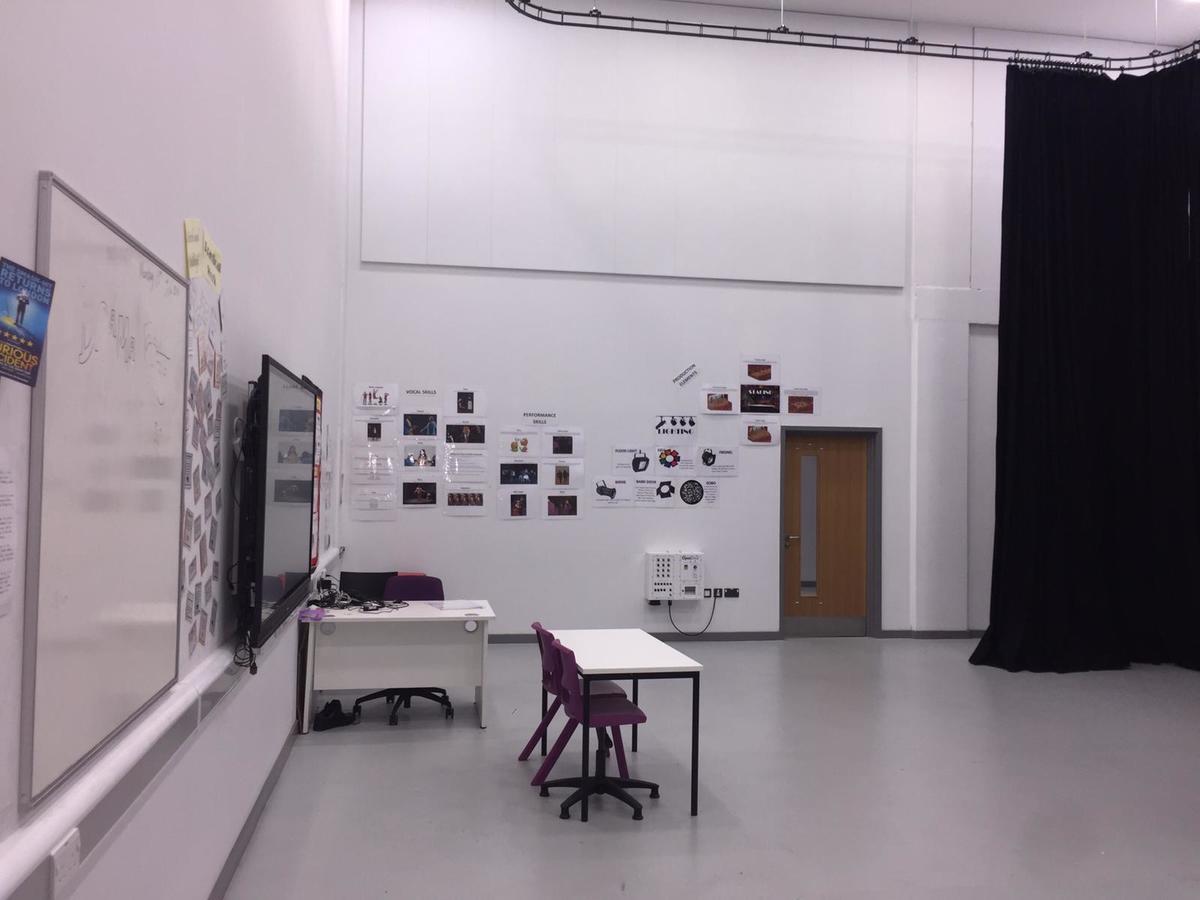 Drama Studio - 119 - SLS @ Ark Elvin Academy - Brent - 3 - SchoolHire