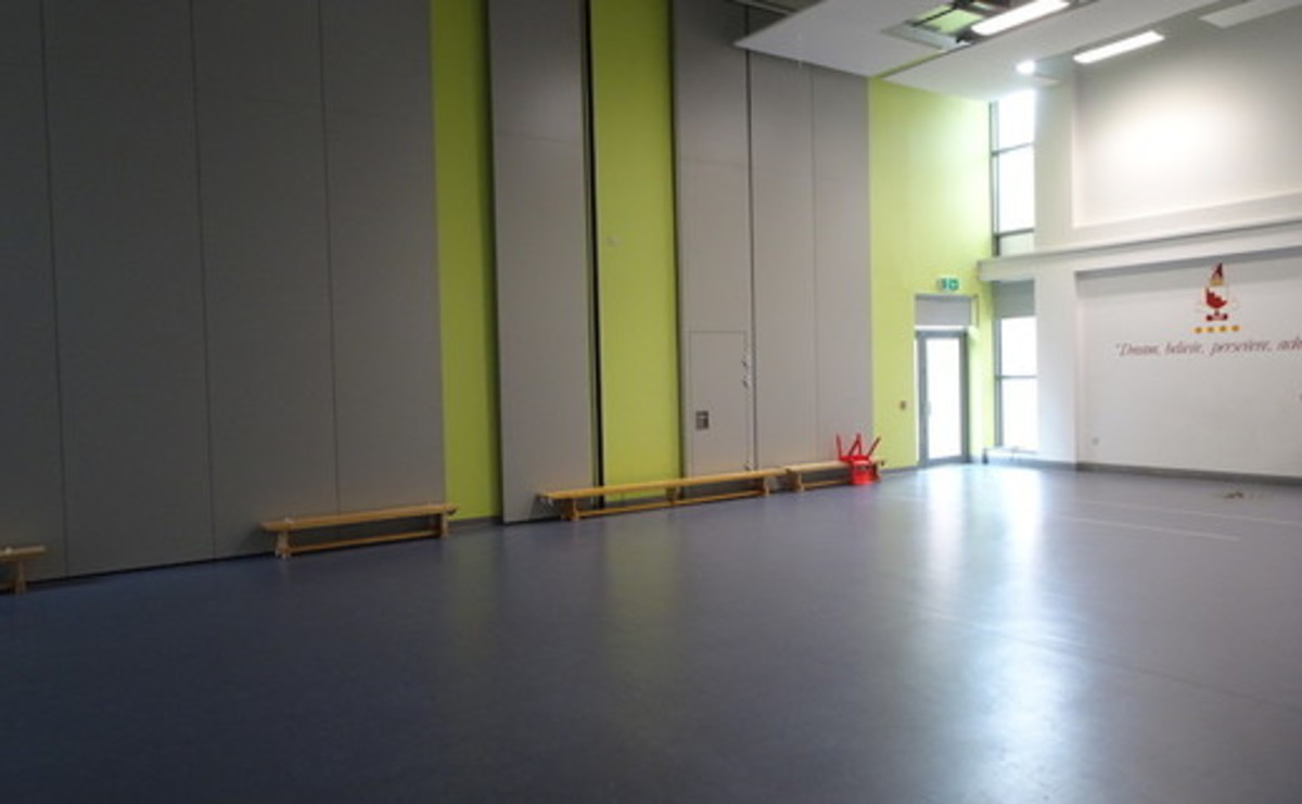 Main Hall - Large Primary Hall  - SLS @ Ark Burlington Danes Academy - Hammersmith and Fulham - 3 - SchoolHire