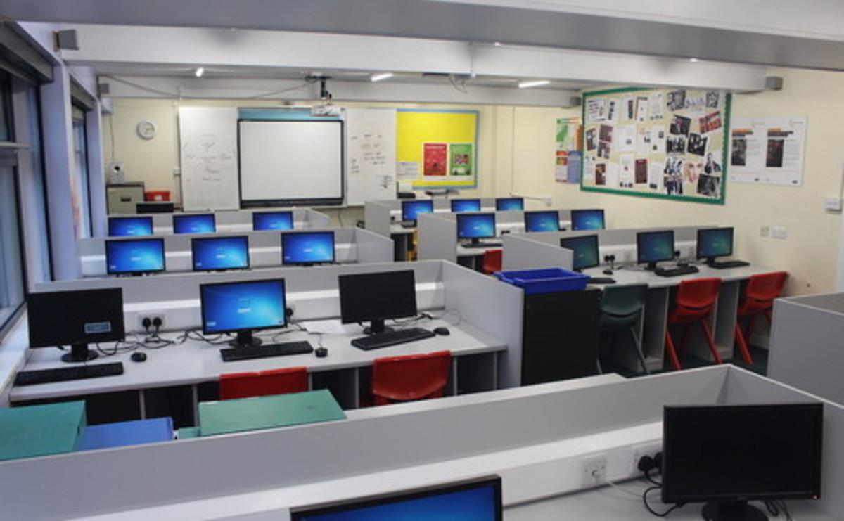 Specialist Classroom - IT Suite - SLS @ Beverley Grammar School - East Riding of Yorkshire - 1 - SchoolHire