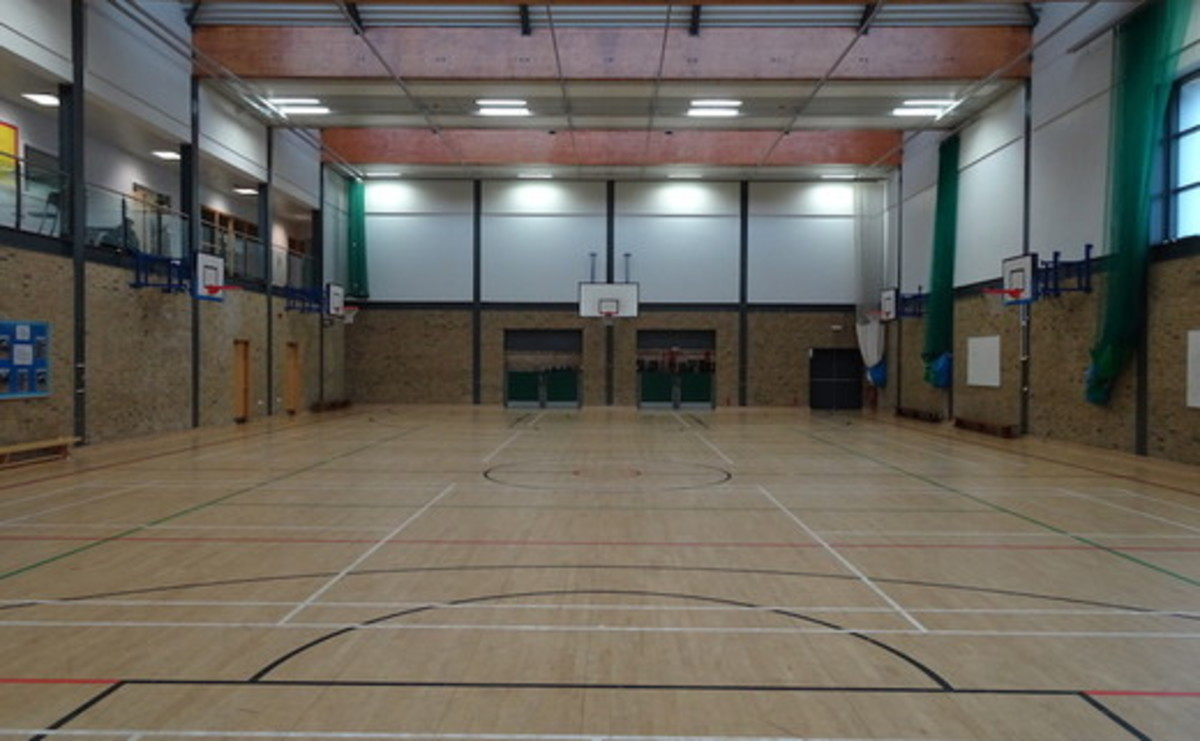 Sports Hall - SLS @ Bishop Challoner Catholic Federation of Schools - Tower Hamlets - 2 - SchoolHire