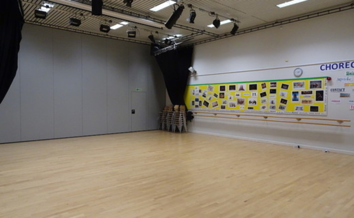 Dance Studio - SLS @ Bishop Challoner Catholic Federation of Schools - Tower Hamlets - 2 - SchoolHire