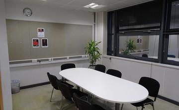Specialist Classroom - Meeting Room - SLS @ Bishop Challoner Catholic Federation of Schools - Tower Hamlets - 1 - SchoolHire