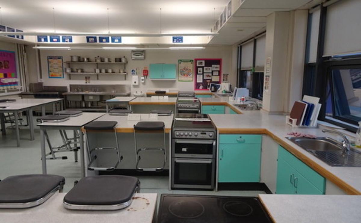 Specialist Classroom - Cookery Room - SLS @ Bishop Challoner Catholic Federation of Schools - Tower Hamlets - 1 - SchoolHire