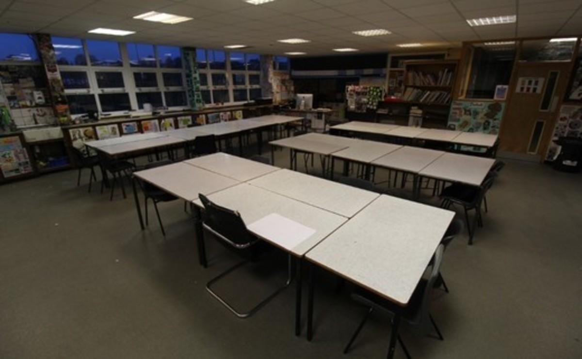 Specialist Classroom - Art Room - SLS @ Blessed Robert Sutton Catholic Voluntary Academy - Staffordshire - 1 - SchoolHire