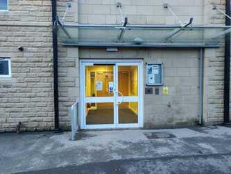 SLS @ Crossley Heath School - West Yorkshire - 1 - SchoolHire