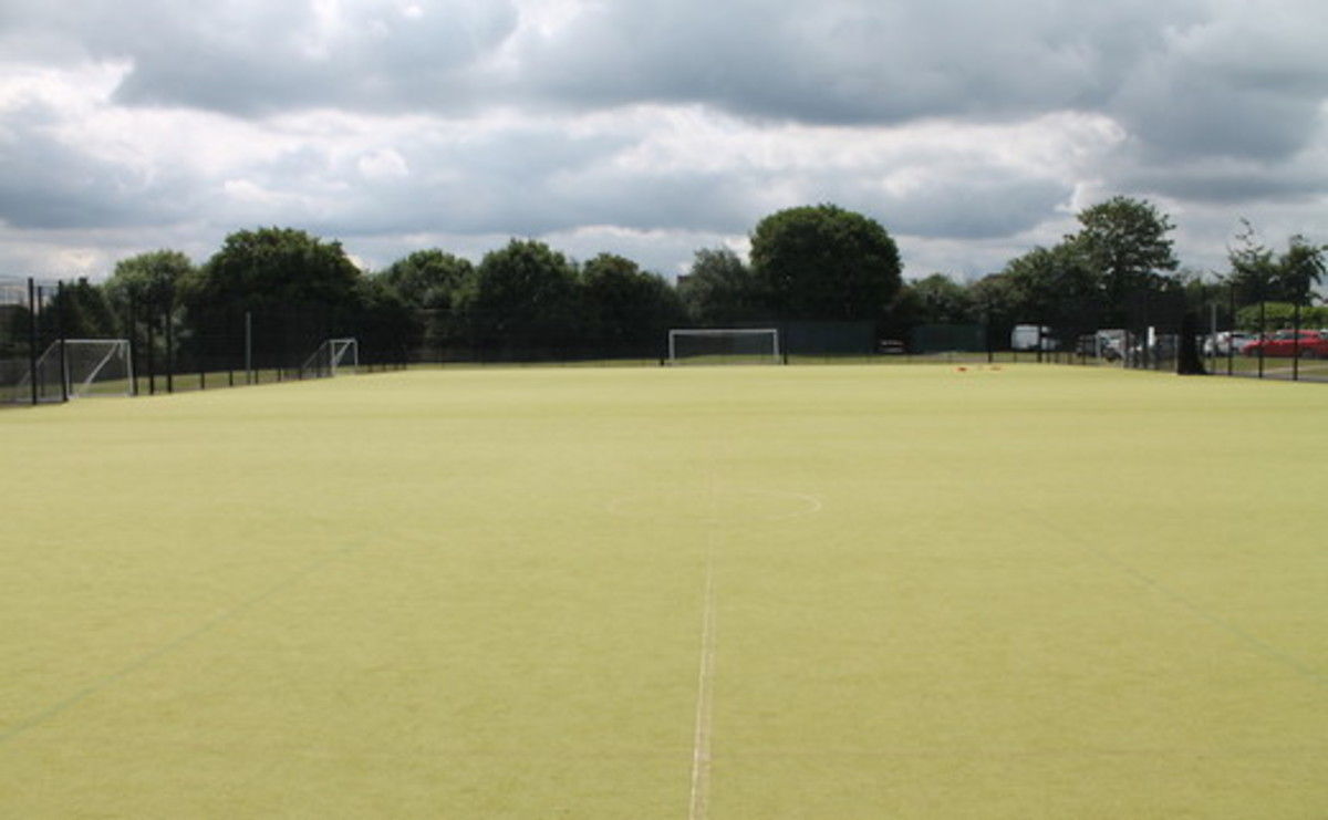 Astroturf - SLS @ Chalfonts Community College - Buckinghamshire - 1 - SchoolHire