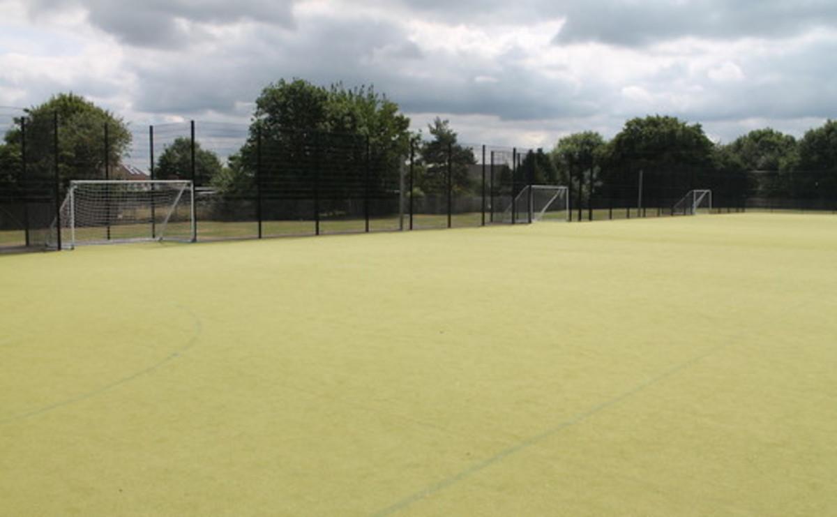 Astroturf - SLS @ Chalfonts Community College - Buckinghamshire - 2 - SchoolHire