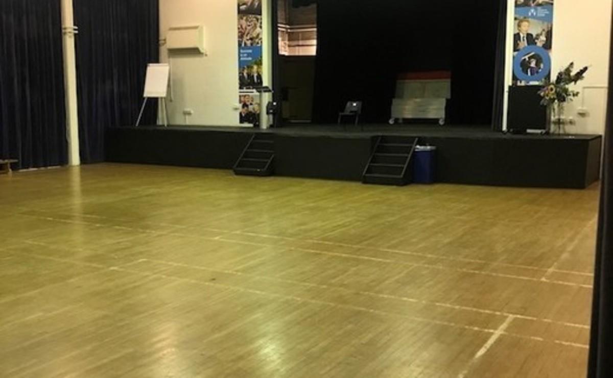 Main Hall - SLS @ Chalfonts Community College - Buckinghamshire - 1 - SchoolHire