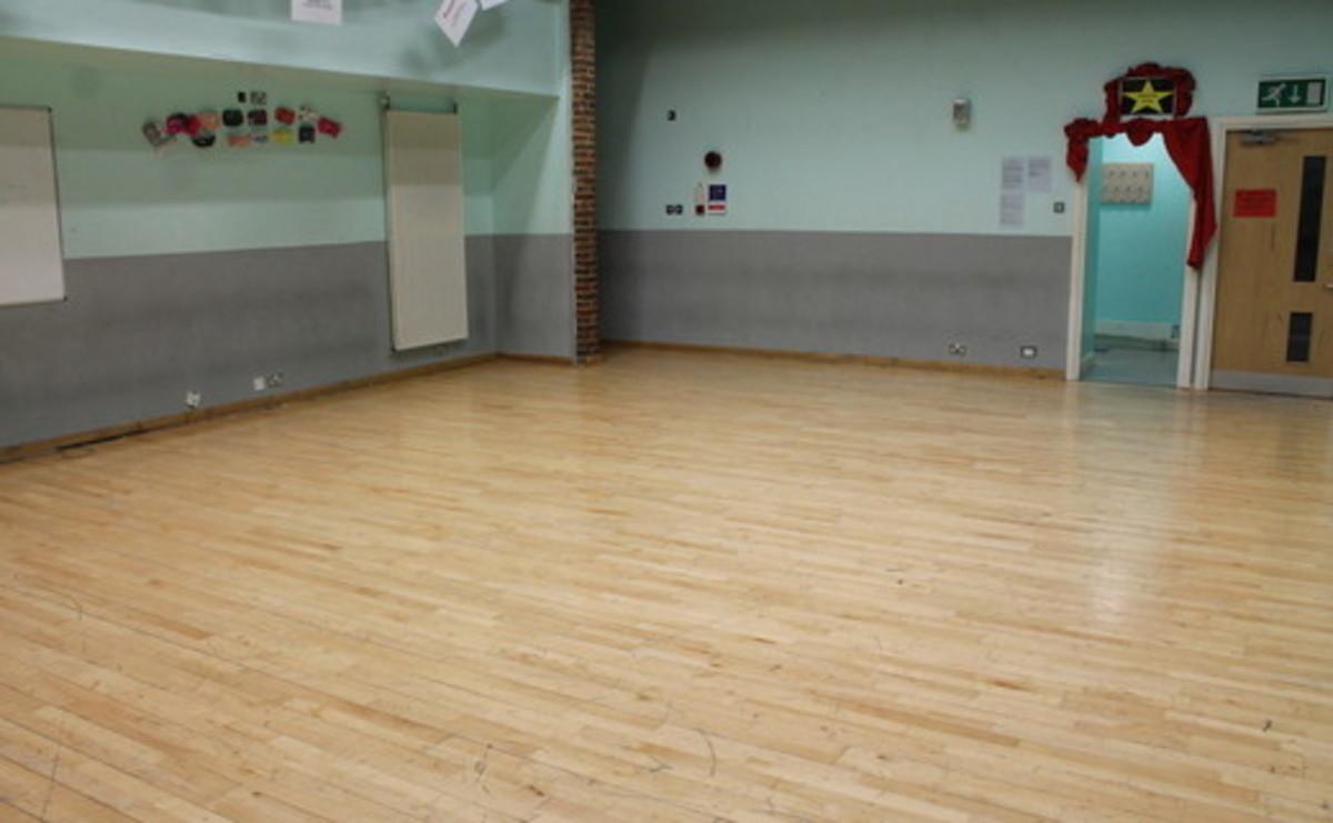 Drama Studio (Chikara) - SLS @ Chalfonts Community College - Buckinghamshire - 1 - SchoolHire
