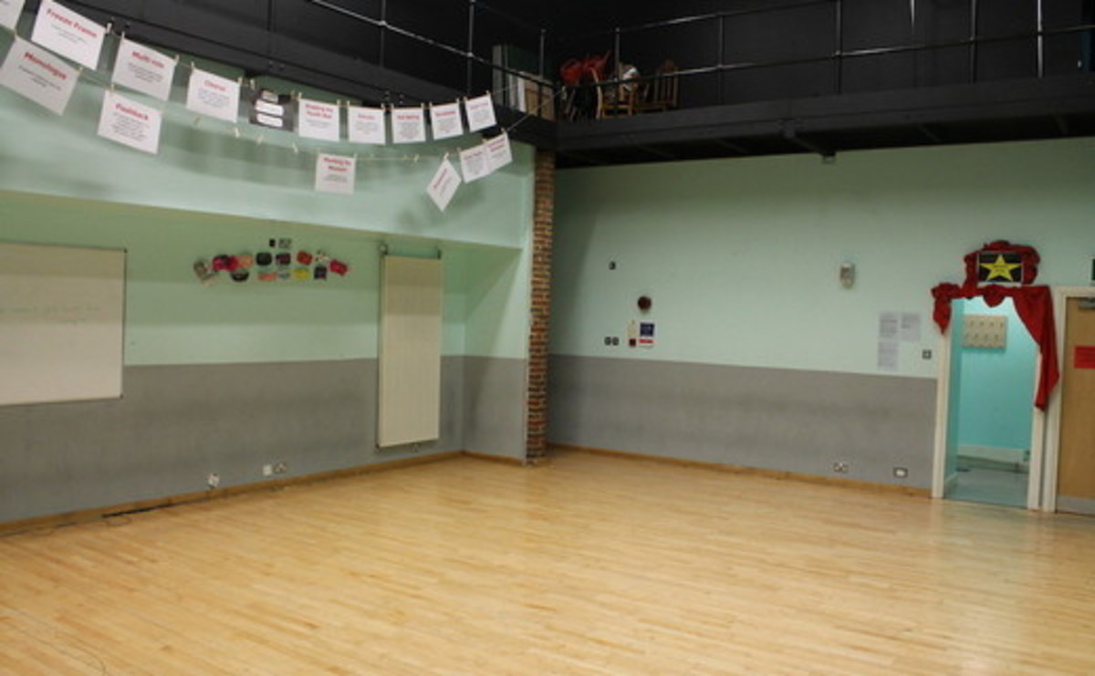 Drama Studio (Chikara) - SLS @ Chalfonts Community College - Buckinghamshire - 2 - SchoolHire