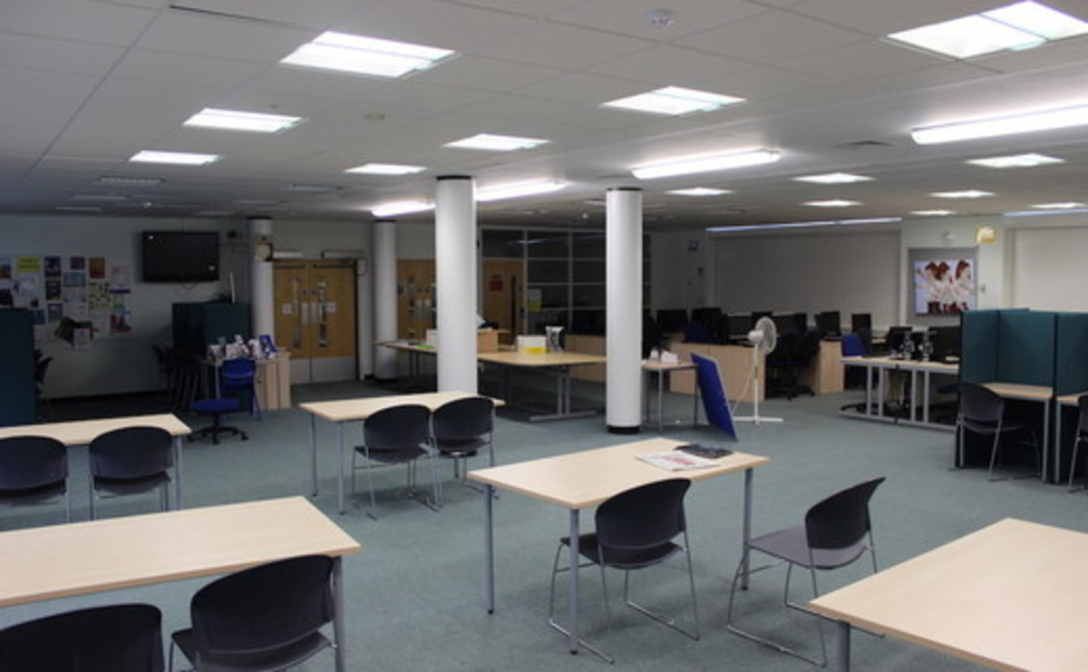 6th Form Centre - SLS @ Chalfonts Community College - Buckinghamshire - 1 - SchoolHire