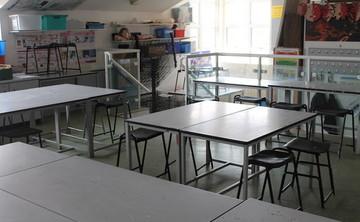 Specialist Classroom - Art Room - SLS @ Chalfonts Community College - Buckinghamshire - 1 - SchoolHire