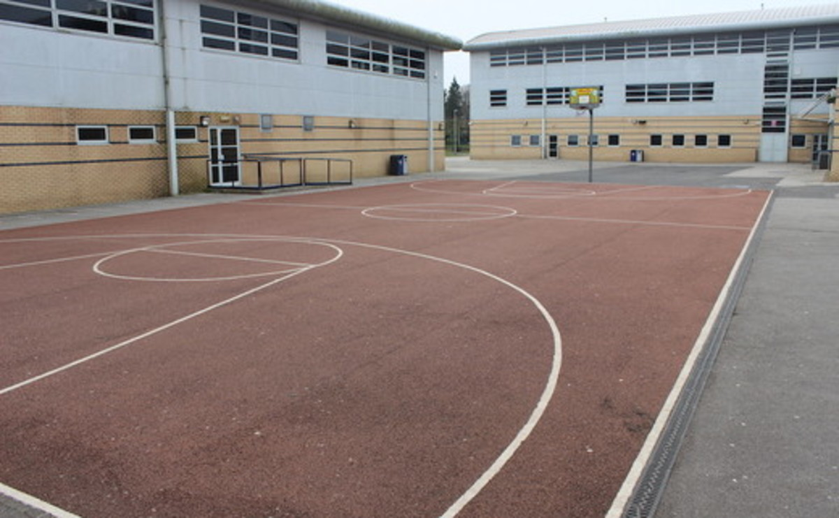 Tarmac Pitch - SLS @ Chorlton High School - Manchester - 1 - SchoolHire