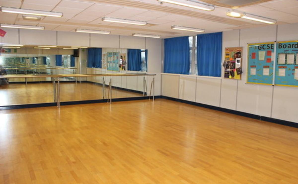 Dance Studio 1 - SLS @ Chorlton High School - Manchester - 1 - SchoolHire