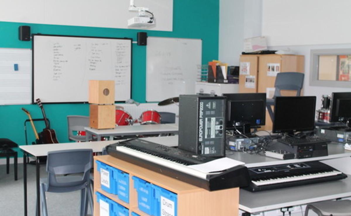 Specialist Classroom - Music Room - SLS @ Duchesss Community High School - Northumberland - 1 - SchoolHire