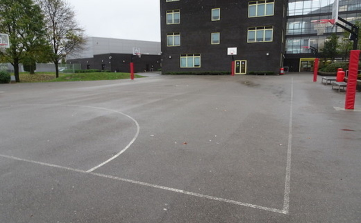Tarmac Pitch - SLS @ East Manchester Academy - Manchester - 1 - SchoolHire