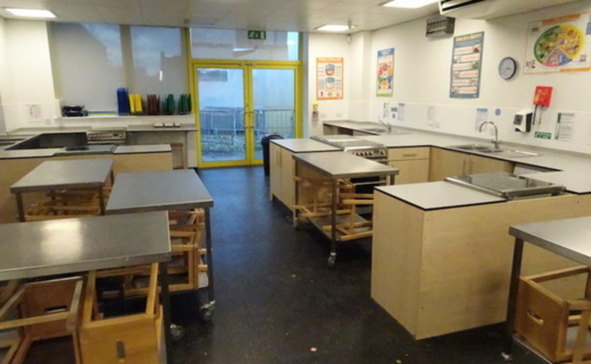 Cookery Room - SLS @ East Manchester Academy - Manchester - 1 - SchoolHire