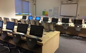 I.T Classroom - SLS @ East Manchester Academy - Manchester - 1 - SchoolHire