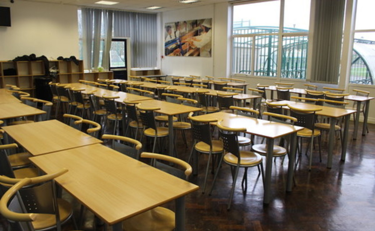 Dining Room - SLS @ Egglescliffe School - Stockton on Tees - 2 - SchoolHire