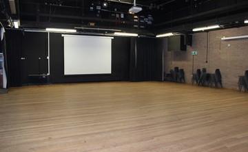 Main Hall  - SLS @ Finham Park School - Coventry - 1 - SchoolHire