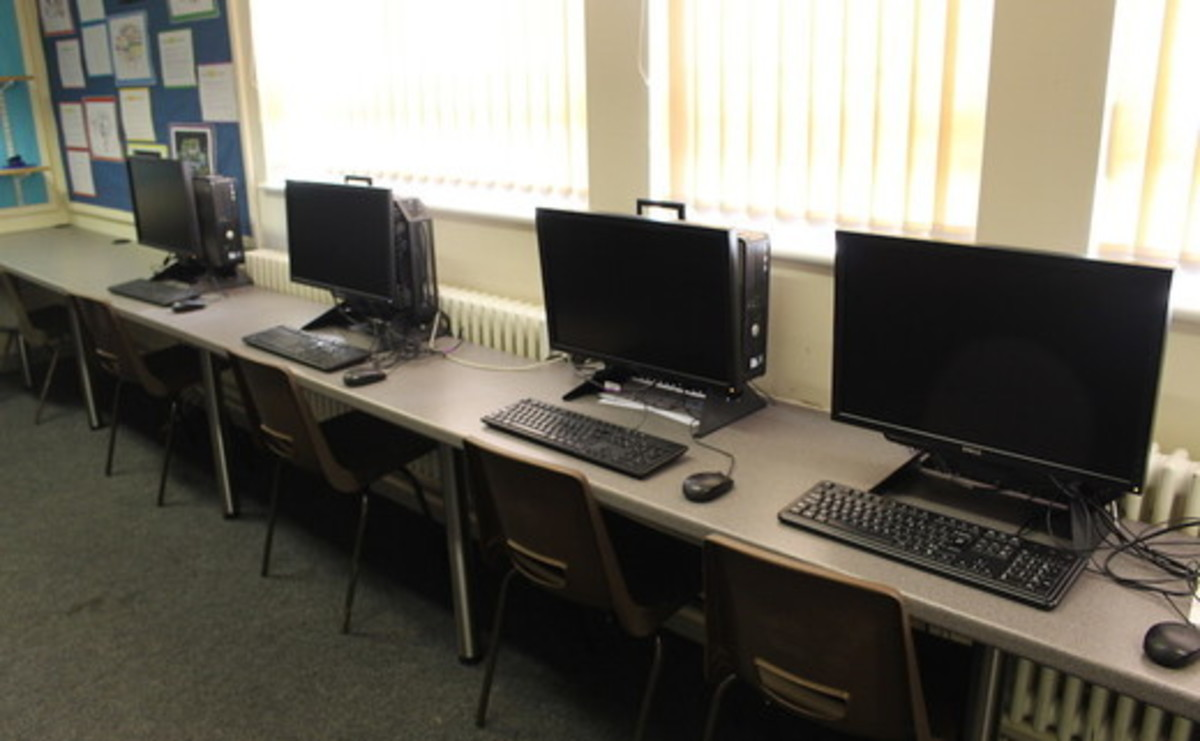 IT Suite  - SLS @ Flixton Girls School - Manchester - 1 - SchoolHire