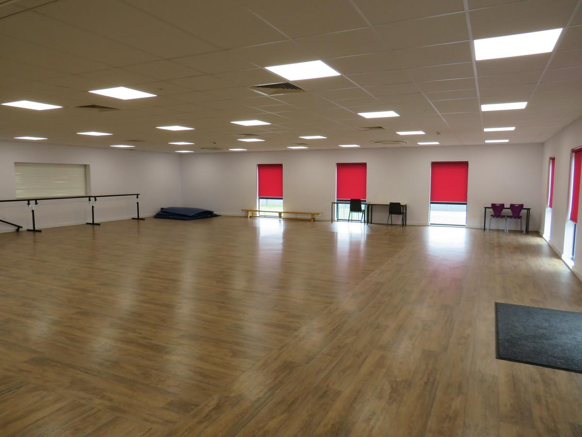 Dance Studio - St Clement Danes School - Hertfordshire - 2 - SchoolHire