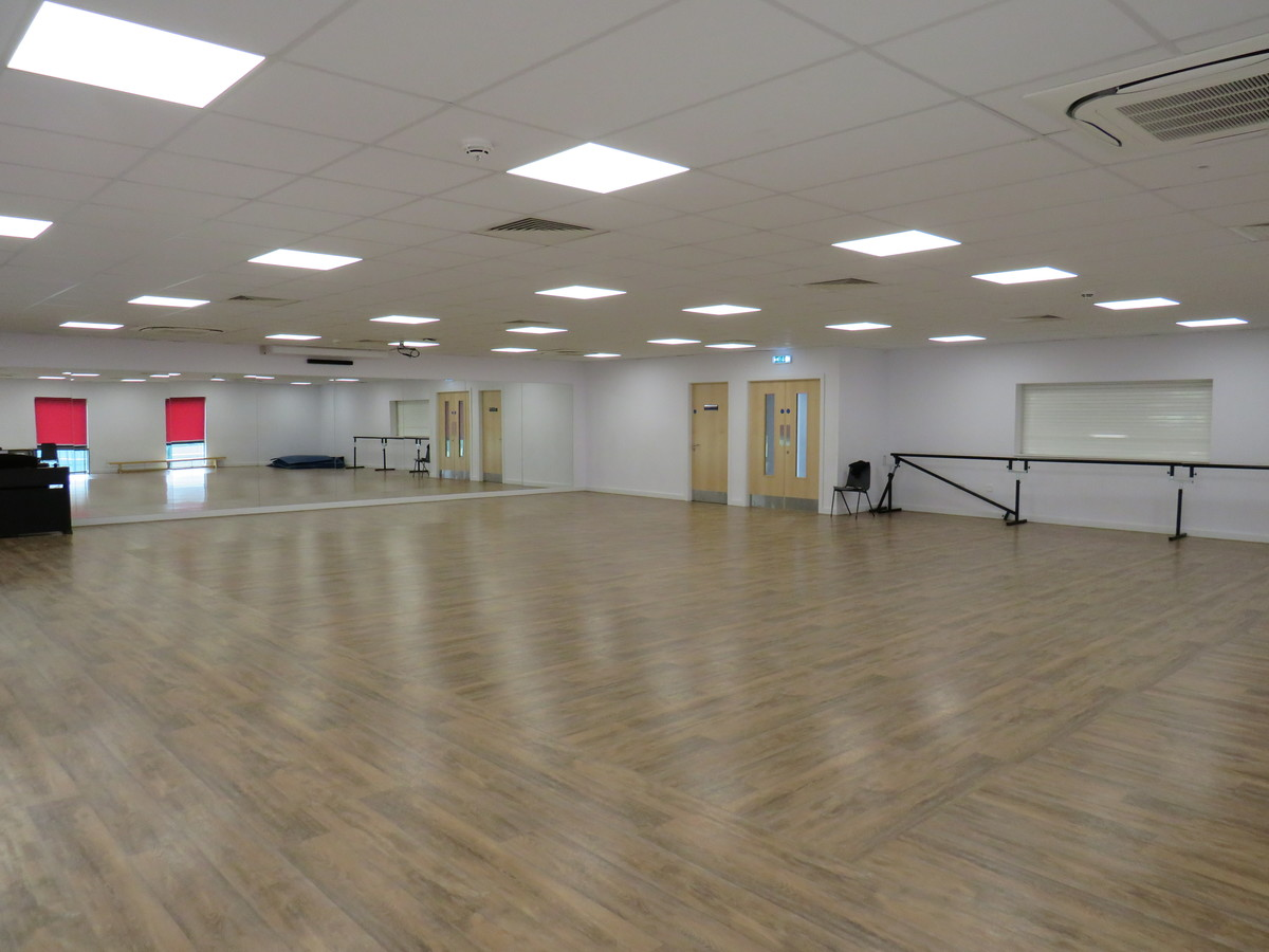 Dance Studio - St Clement Danes School - Hertfordshire - 3 - SchoolHire