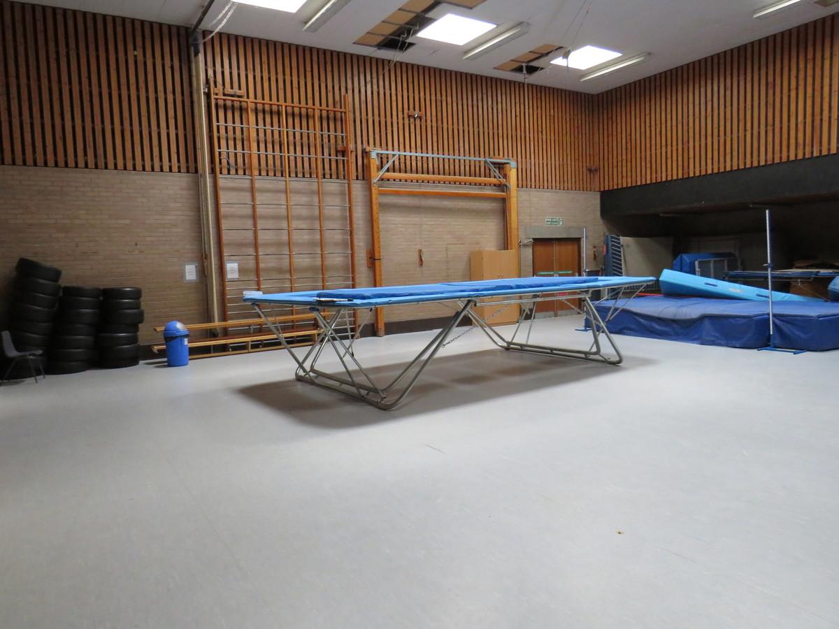 Gymnasium - St Clement Danes School - Hertfordshire - 2 - SchoolHire