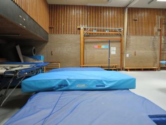 Gymnasium - St Clement Danes School - Hertfordshire - 4 - SchoolHire
