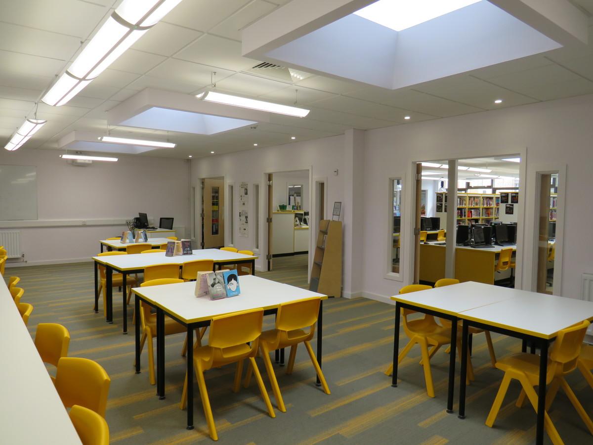 LRC Seminar Room - St Clement Danes School - Hertfordshire - 3 - SchoolHire