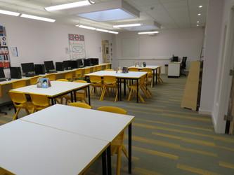 LRC Seminar Room - St Clement Danes School - Hertfordshire - 4 - SchoolHire