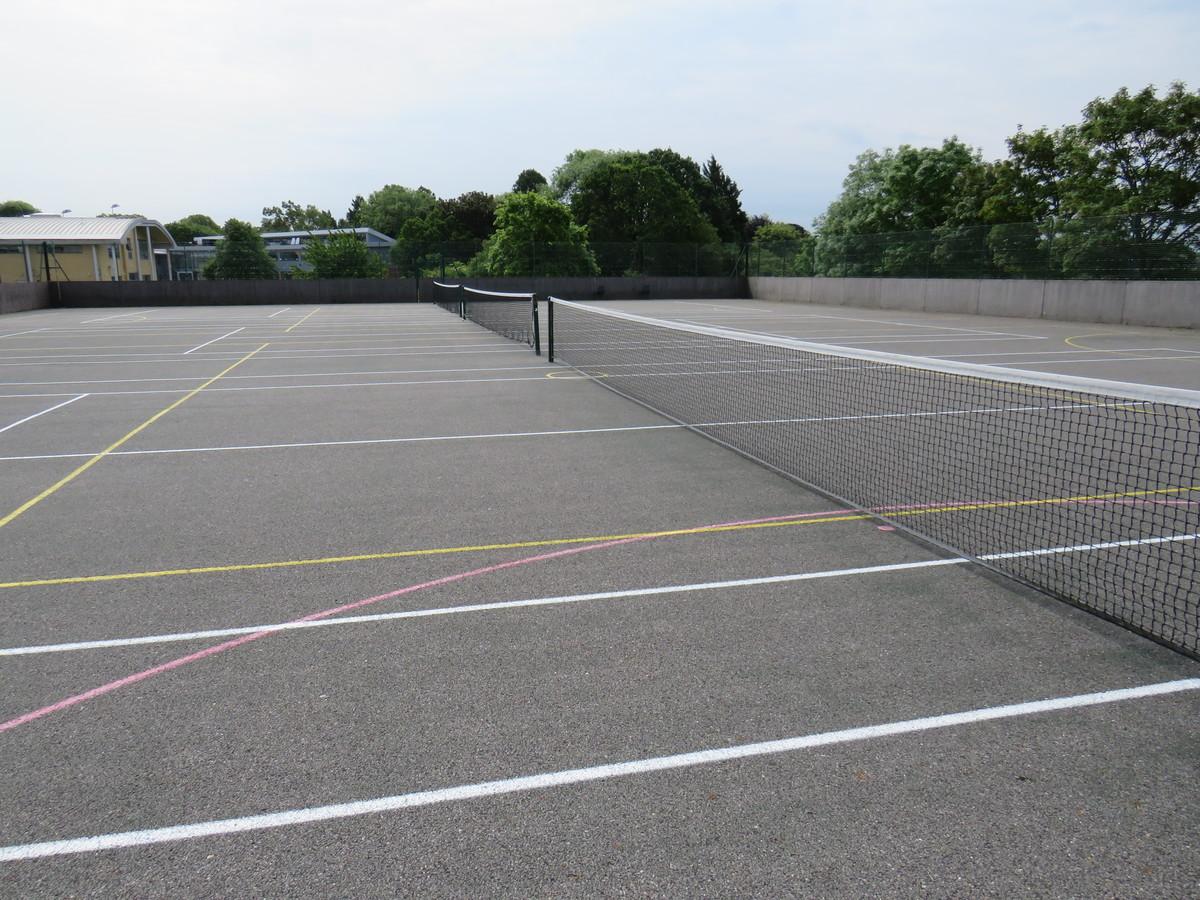 Netball Courts/Tennis Courts - St Clement Danes School - Hertfordshire - 2 - SchoolHire