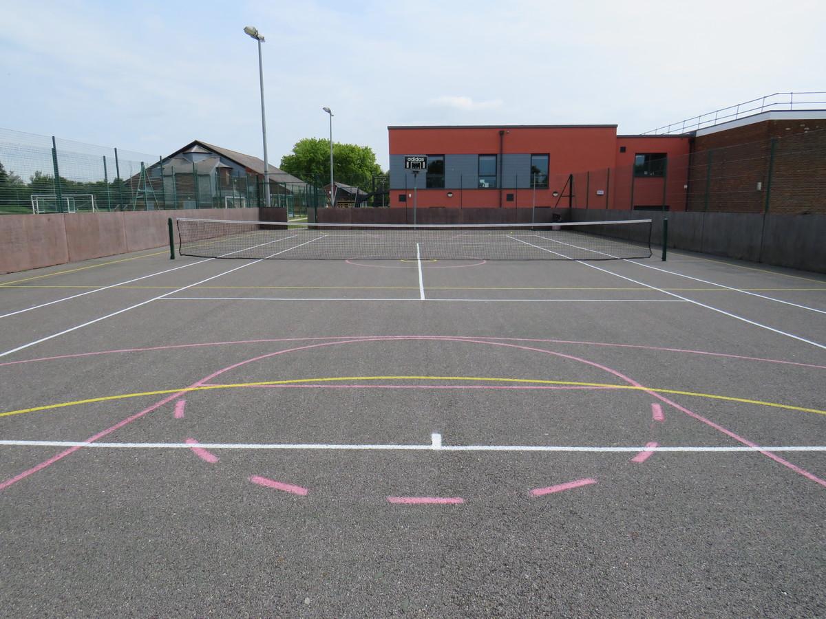 Netball Courts/Tennis Courts - St Clement Danes School - Hertfordshire - 4 - SchoolHire