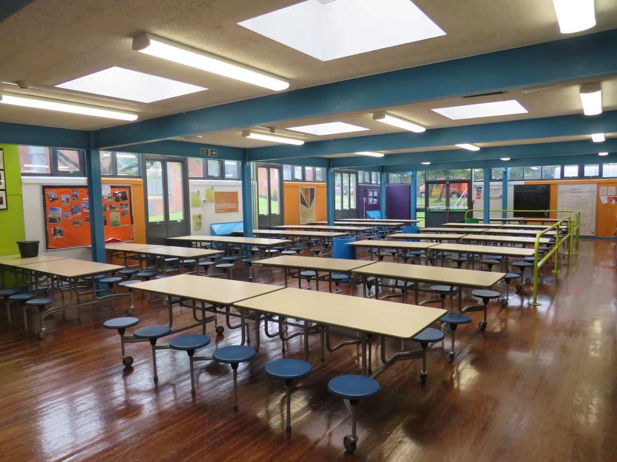 Canteen (Large) - Bosworth Academy - Leicester - 1 - SchoolHire