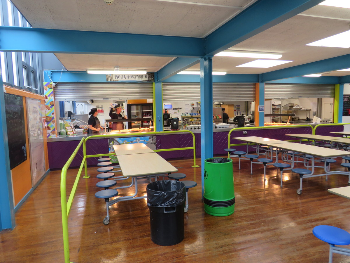 Canteen (Large) - Bosworth Academy - Leicester - 2 - SchoolHire