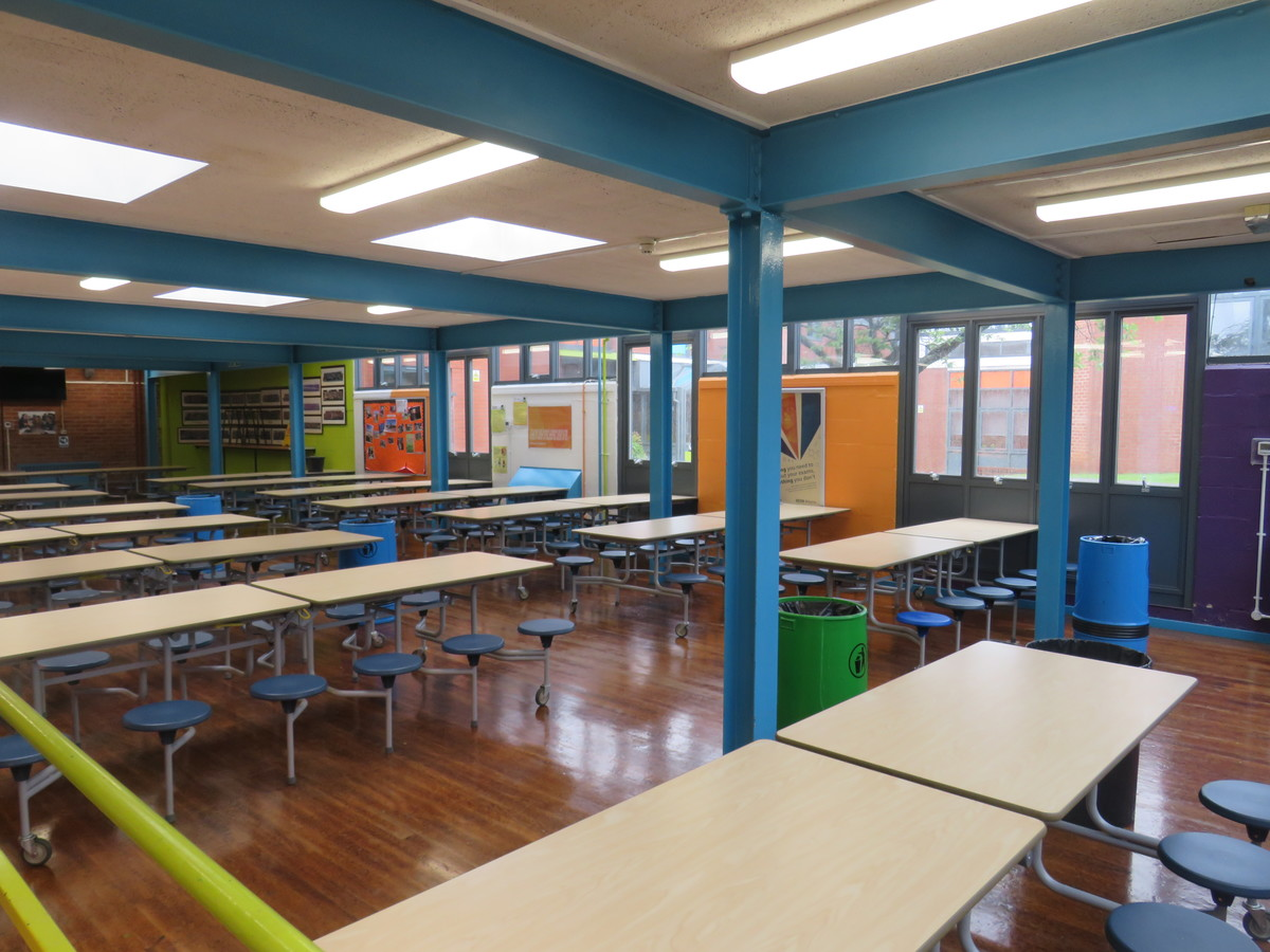 Canteen (Large) - Bosworth Academy - Leicester - 3 - SchoolHire