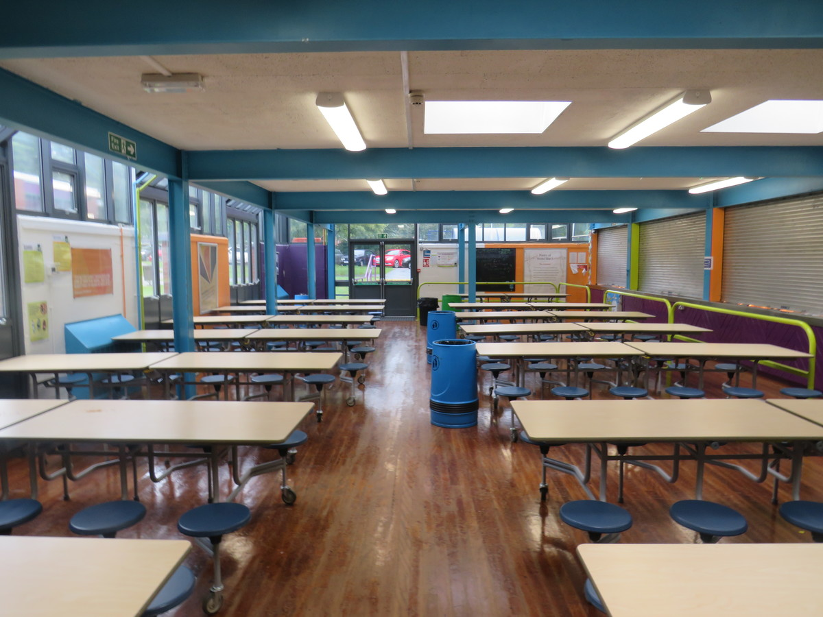 Canteen (Large) - Bosworth Academy - Leicester - 4 - SchoolHire
